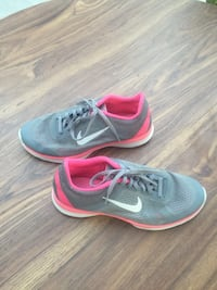 Women's Nike Shoes Size 8.5 Moreno Valley, 92557