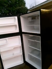 Frigidaire with icemaker