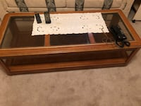 Coffee table and 2 matching lamp tables. Mississauga, L4X 1P6