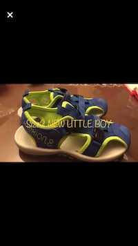 pair of blue-and-green running shoes Montréal, H1R 1M6