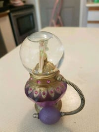 Tinkerbell perfume globe collectable.. Whitby, L1N 8X2
