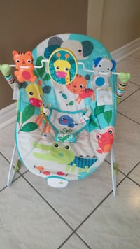 Infant gentle vibrating seat with mobile toy Brampton, L6R 1L5