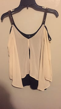 Cream and black cut out shoulder top size small fits medium too Saint Petersburg, 33703