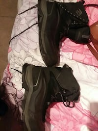 pair of columbia black boots size 10