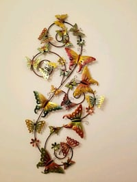 Pretty butterfly wall hanging, Pier 1 Madison, 53719
