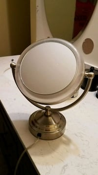 Lighted magnified mirror  Effort, 18330