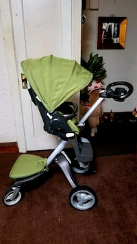 baby's green and black stroller New York, 10069