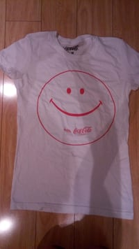 Coca coLa - size small - Barrie, L4M 6S8