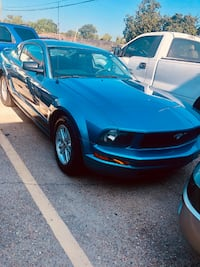 2005 Ford Mustang Coupe 2D Kenner