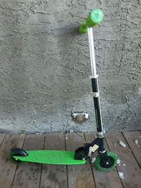 Kids scooter ( pick up in Airdrie) Airdrie