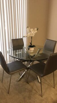 Round Glass Top Kitchen Table & 4 Chairs Irvine, 92620