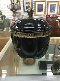 black ceramic urn Miami, 33165