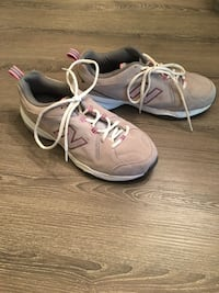 Women's New Balance Size 11 Only worn once  Wilmington, 19809