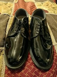 pair of black leather dress shoes Pittsburg, 75686