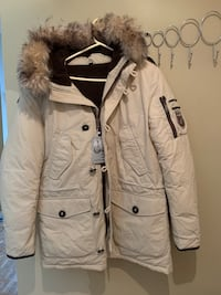 Beand new snow jacket  Mississauga, L5A 4B6