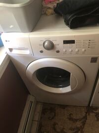 Lg washer front loader mint Plainville, 06062