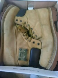 pair of brown Timberland work boots in box Washington, 20019