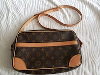 Louis Vuitton purse Langley, V2Y 3A3