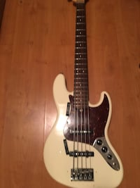 Fender j-bass five string w/ delivery