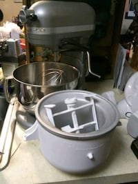 Kitchen Aid Pro 600 series stand mixer with ice cream attachment West Des Moines, 50265