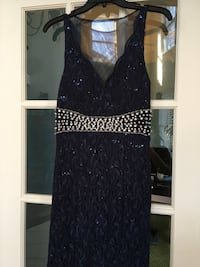 Navy Prom dress size 2/3 Batavia, 60510