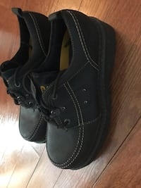 Men's Caterpillar Shoes 12M black- like new