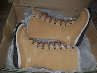 Women's Timberland fur boots 6.5 New In Box Theodore, 36582