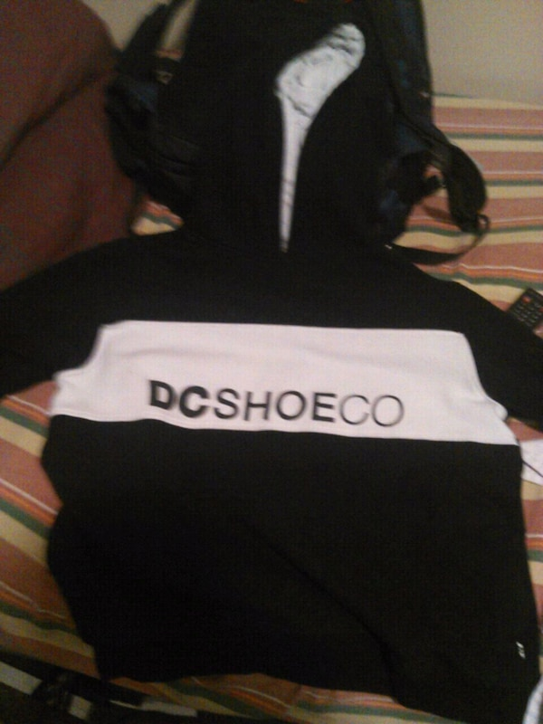 Size XL DC PULLOVER HOODIE