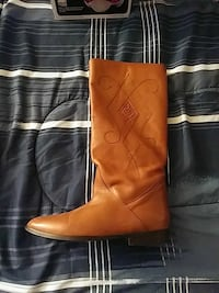 Women's size 7 leather boots Charlottesville, 22901