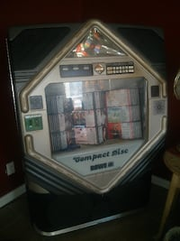 Juke box from sammie chophouse works will trade for quade or other int