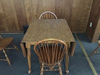 Kitchen table with wings and 4 chairs Decatur, 62521