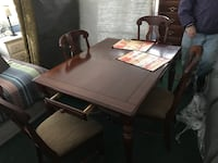 dining table includes 4 chairs and an extention piece includes delivery and set up Pasadena, 21122