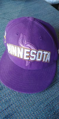 purple and white Minnesota Vikings fitted cap Grand Island, 68803