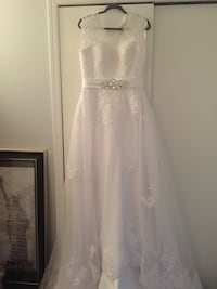 Wedding Gown size 9 with veil