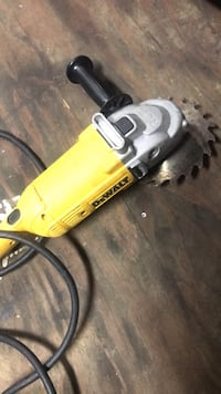 Angle grinder, expensive tool, works fine. Contact me Pensacola, 32526