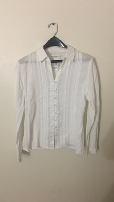 women's white button-up dress shirt