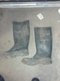 Rubber boots. Great for fishing , or floods size 10 and 1/2