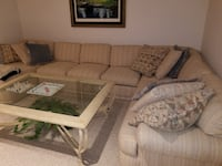 Couch sectional  Bakersfield, 93309