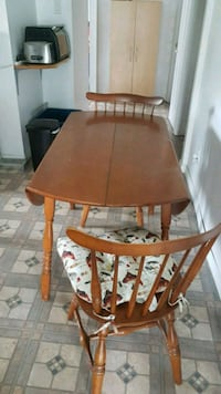 Table. A. 4. Chaise. Avec. Rallonge  Asbestos, J1T 1W9