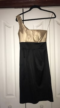 Women's gold and black sleeveless dress Calgary, T3A 5L5