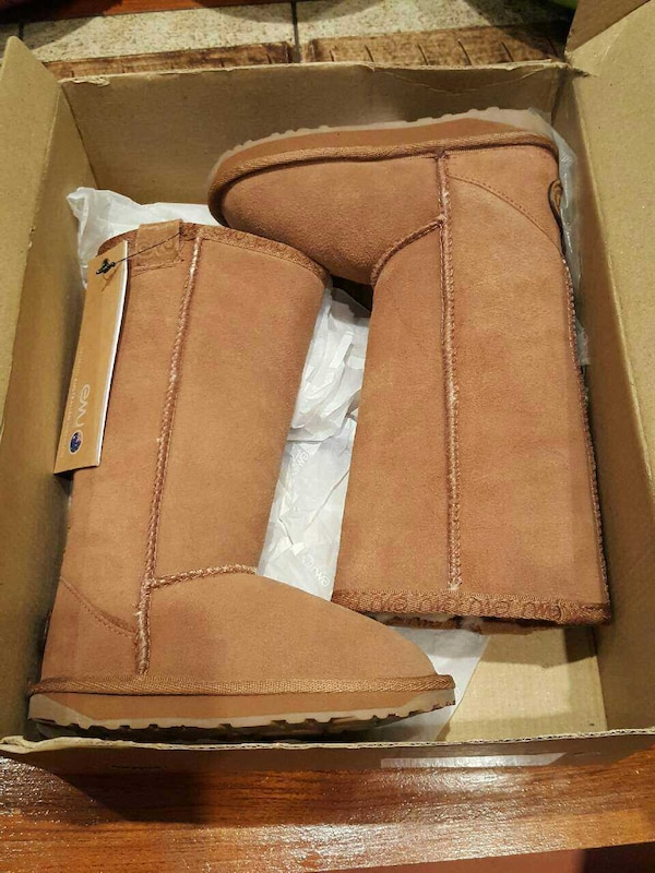 Emu toddler boots size 9 16f85268-4689-4fac-9ea9-ce8cfd21db88