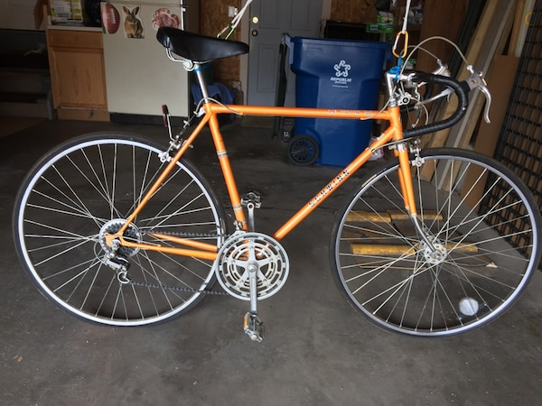 Vintage Schwinn 10-speed Le Tour III