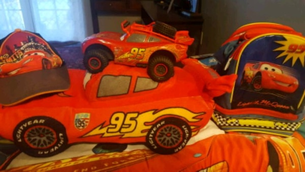 Lightning McQueen package deal ab97e1ef-c6e9-43f8-bf1f-74889fa4fb28