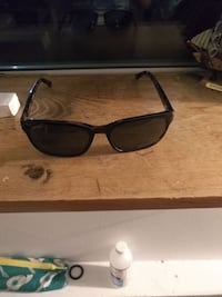 Ted baker polarised sunglasses Vancouver, V5L 1W9