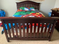 Convertible Bed- Crib to Toddler ro Fill Size Bed and 2 dressers