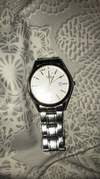 Round silver-colored analog watch with link bracelet  Woolwich, N0B