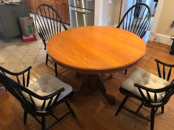 Round pedestal table and 4 chairs
