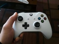 (For Parts) Xbox one controller Compton, 90221