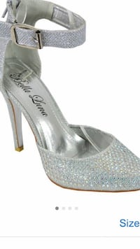 women's pair of gray pumps Montréal, H4M 1C7