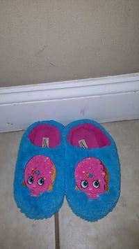 SHOPKINS sz 11  DELISH DONUT SLIPPERS Gloucester County, 08080